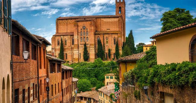 Monteriggioni Siena and San Gimignano